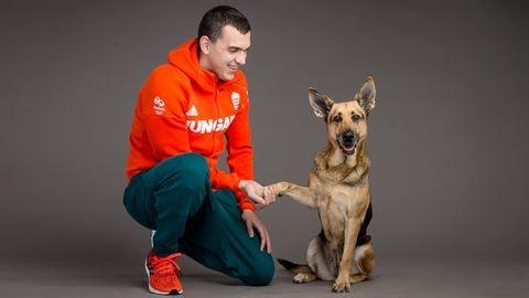 Az Illatos útról mentett kutyusokkal pózoltak olimpikonjaink – elragadó fotók