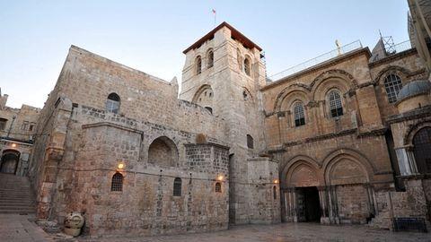 Ötszáz év után újra felnyitották Jézus sírját