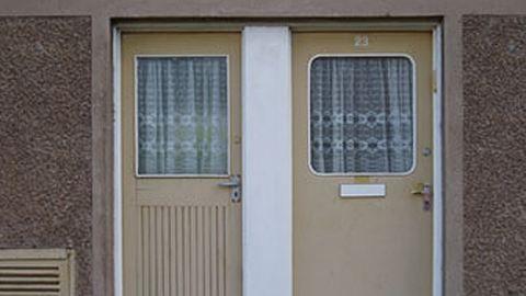 Ittasan eltévesztette a lakást, összeverték a rendőrök