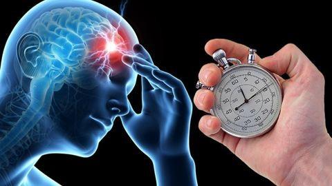 Így kezdődik a szélütés – ezek a stroke-gyanús előjelek