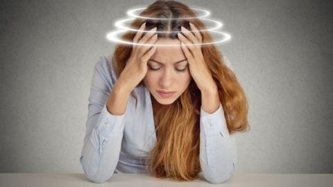 Reggeli fejfájás óraátállítás után – lehet, hogy szélütés ér?