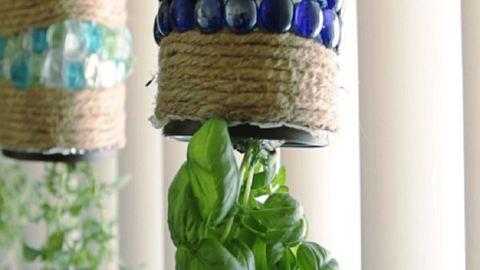 Csodás házi függőkert a fűszernövényeknek – videó