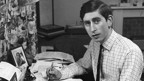 A férfi, akinek nem volt tinédzserkora – 68 éves Károly walesi herceg