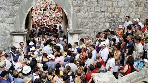 Kitiltják a turistákat Dubrovnikból