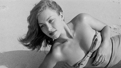 Soha nem látott képek a világ első Bond-lányáról