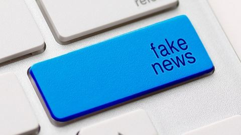 Így torzítja a gondolkodásunkat a Facebook és a közösségi média