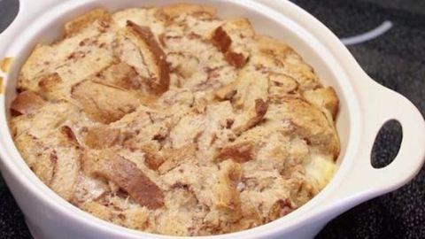 Egyszerű kenyérpuding, amit az egész család szeretni fog