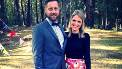 Több hónap különbséggel születik egy ausztrál ikerpár két tagja