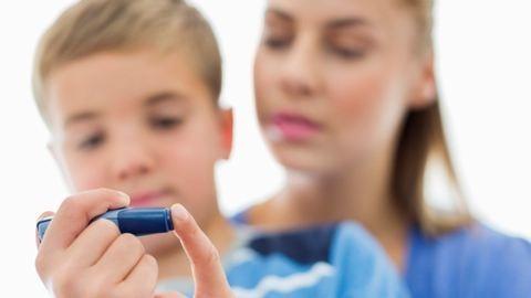 A gyerekeket sem kíméli a diabétesz – figyelmeztető jelek, amiket vegyél komolyan