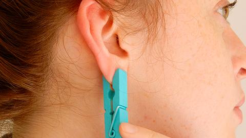 Ez történik a testeddel, ha egy ruhacsipeszt teszel a fülcimpádra