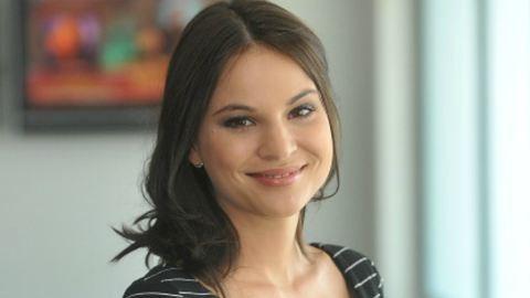 Nádai Anikó veszettül dögös címlaplány lett