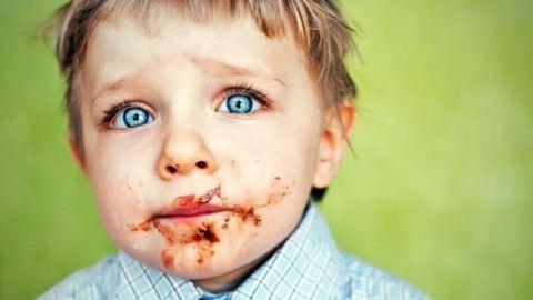 Horrorpizzát kapnak ebédre a gyerekek a keszthelyi kórházban – fotó