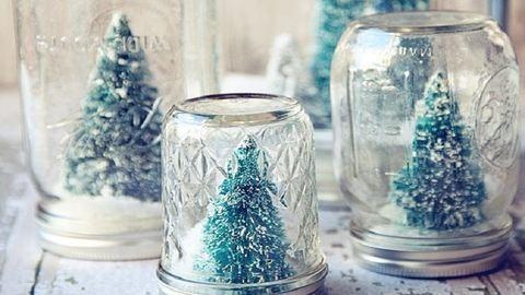 Karácsonyi dekoráció befőttesüvegekből – 8 szuper ötlet