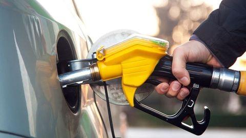 Így drágulnak az üzemanyagok szerdán