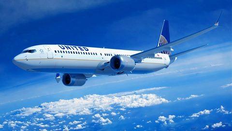 Mozgó repülőből ugrott ki egy nő