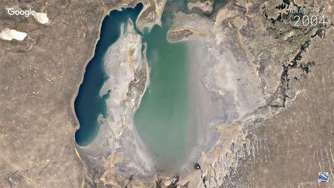 Szemed előtt szárad ki a tó, születik egy sziget