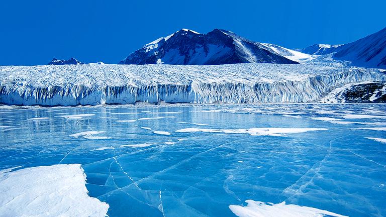 Nem csak az Antarktiszon problémás a kutatónők helyzete (Fotó: NASA)