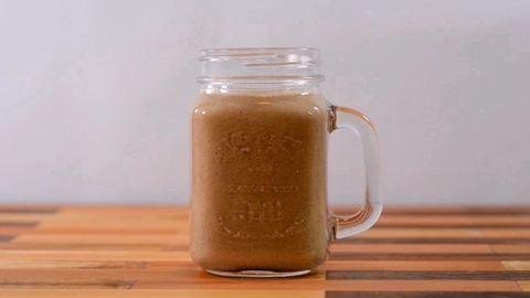 A legborongósabb téli reggelt is feldobja ez a fahéjascsiga-ízű smoothie!