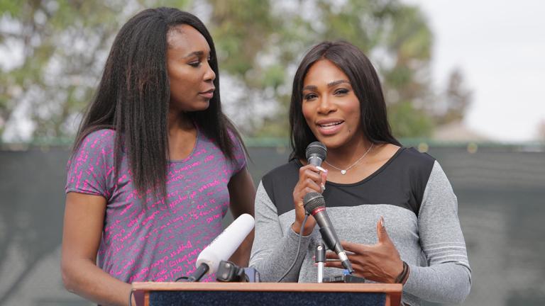 Serena Williams (j.) és nővére Venus (b.)