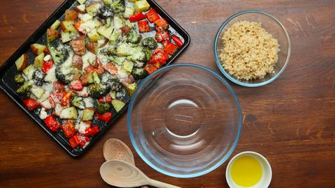 Egészséges ebéd: sült zöldséges kuszkusz
