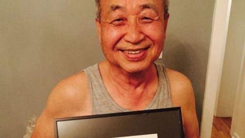 Mindennap rajzol a világ másik felén élő unokáinak a 75 éves nagypapa