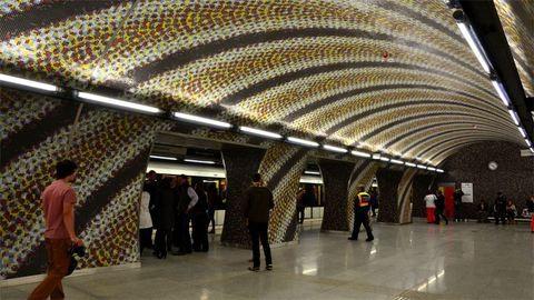 Forrás fakadt a Szent Gellért téri metróállomáson