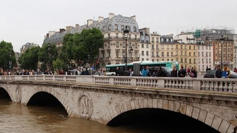 Minden második autót kitiltották Párizsból