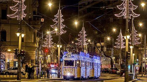 Világhírű lett a budapesti fényvillamos