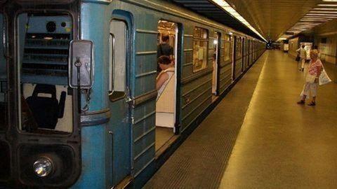 Ma a 3-as metró füstölt el