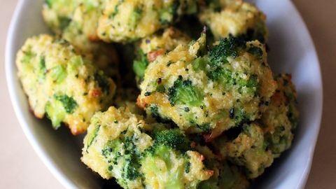 Sajtos-brokkolis falatok, amik elfeledtetik veled a sült krumplit