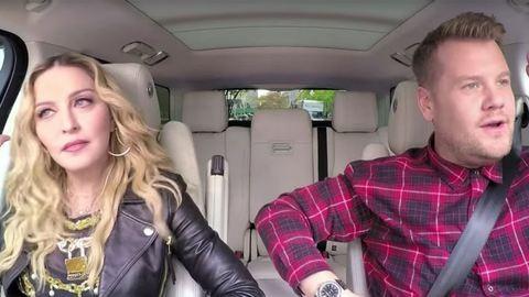 Madonna az anyósülésen gimnasztikázott James Cordennel – videó