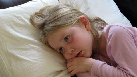 Átverték beteg kislányuk segítőit a szülők