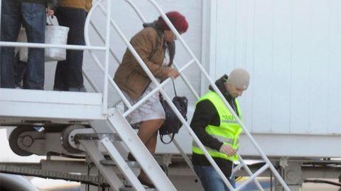 Szoknyában érkezett a magyar reptérre Bróker Marcsi