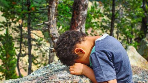 10 nevetséges ok, amiért gyerekek haragudtak a szüleikre – fotók