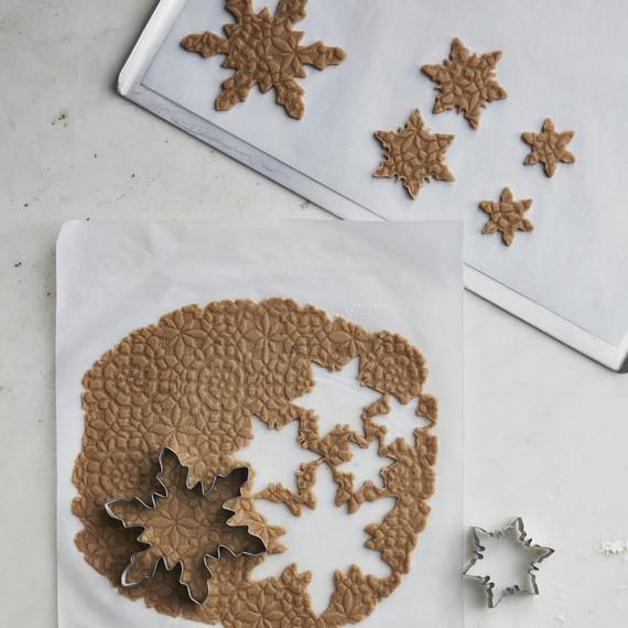 Ha csak egy mézeskalácsdíszítési trükköt próbálsz ki idén karácsonykor, ez legyen az!