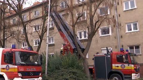 Eszméletlen férfit találtak a kigyulladt lakásban
