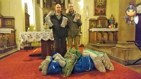 Adjkirály!: A hajléktalanoknak is elvittük az összegyűjtött takarókat