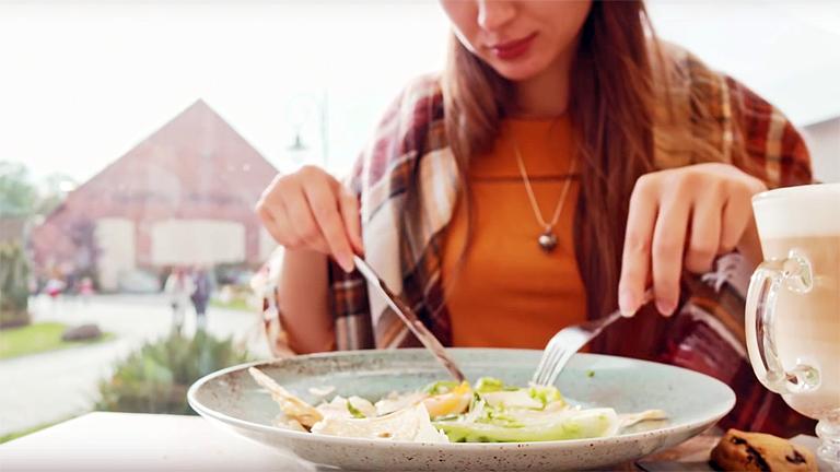 Hatalmas mennyiségű étel vész kárba minden egyes nap (Fotó: www.foodforall.us)