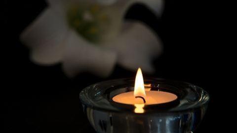 M3 buszbaleset: osztálytársai is gyászolják az elhunyt kisfút