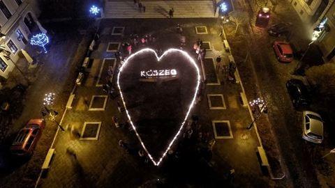 1300 gyertyával kívántak boldog karácsonyt Kőszegen