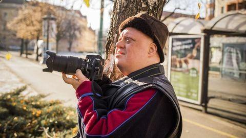 Ismerd meg Zozót a Down-szindrómás természetfotóst, aki nem csak a képei miatt különleges