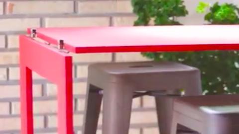 Ezt a többfunkciós asztalt te is összerakhatod – videó
