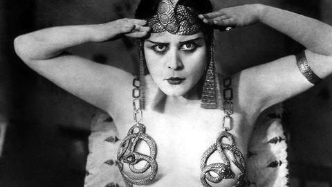 Vámpírnő volt a mozi első szexszimbóluma