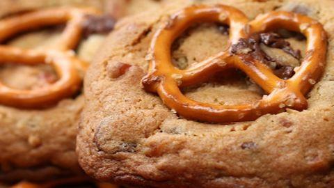 Mennyei sóspereces-karamellás kekszek