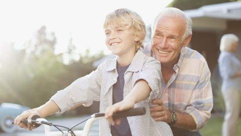 A nagyszülők tovább élhetnek, ha foglalkoznakaz unokákkal – kutatás