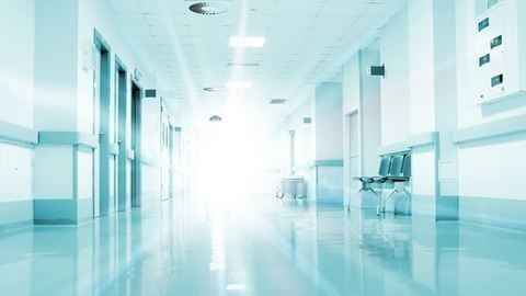 Alvó betegtől loptak egy pesti kórházban