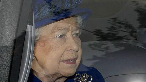 II. Erzsébet betegsége után először jelent meg a nyilvánosság előtt