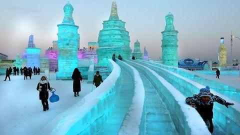 A jégből épült város – fotók a legnagyobb jég- és hófesztiválról