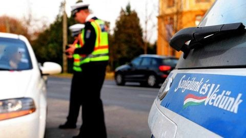 Nem díjazta a rendőr a kézműves forgalmi engedélyt