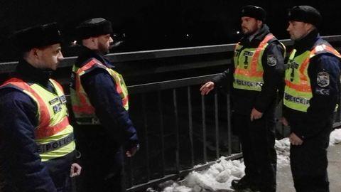Rendőrök szedték le az öngyilkosjelöltet a Tisza-hídról